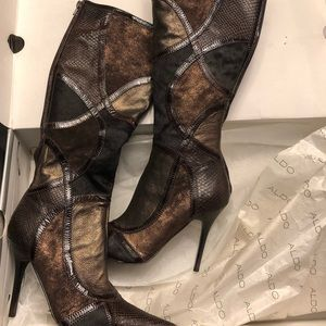 Stunning aldo boots size 8.5